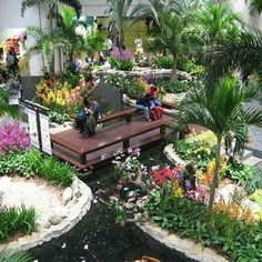 #SingaporeInvites #Indonesia Want to see big, beautifful and amazing Changi Airport again, beside explore Singapore with my husband and children @visit_singapore