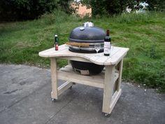 Un barbecue avec des palettes