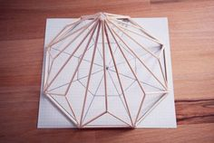 DIY: ferm living inspired diamond   Rotkehlchen   Bloglovin' Geometric Decor, Geometric Designs, Geometric Shapes, Handmade Decorations, Handmade Crafts, Diy Crafts, Décoration Candy Bar, Diy Luminaire, Diy Straw