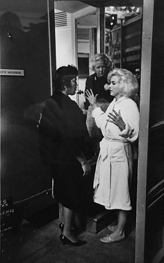 Marilyn on the set of Something's Got To Give, 1962. Photo by Lawrence Schiller.