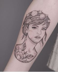 When people think about Japanese Tattoo Designs, often the Yakuza gangsters come to mind. Cute Tattoos Quotes, Cute Girl Tattoos, Tattoo Girls, Flower Tattoos, Hand Tattoos, Tatoos, Tattoo Arm, Nautical Star Tattoos, Private Tattoos