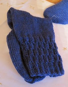 New Pic Crochet for Beginners legwarmers Ideas Crochet patterns have already been completed for many people years. Arm Knitting, Sweater Knitting Patterns, Knitting Socks, Knit Socks, Free Baby Blanket Patterns, Ear Warmer Headband, Sock Yarn, Knitting For Beginners, Baby Sweaters