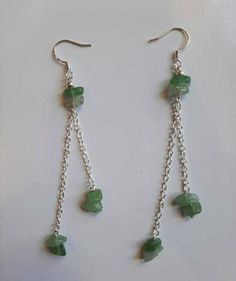Ear Jewelry, Crystal Jewelry, Jewelry Crafts, Gemstone Jewelry, Jewelery, Beaded Earrings, Beaded Jewelry, Earrings With Chain, Diy Drop Earrings