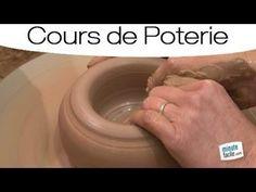 Cours de poterie : faire un vase sur un tour de potier - YouTube
