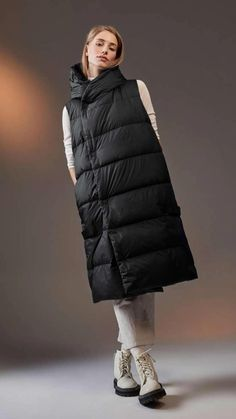 Fashion Over 40, Munich, Winter Coat, Neue Trends, Chic Outfits, Coats For Women, Fashion Photography, Winter Jackets, New Fashion Trends