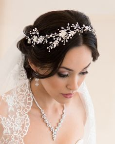 Just as enchanting as it is breathtaking, the Summer's Dream Hair Vine is ideal for a bridal looking for a charming way to amplify her bridal 'do. Bridal Braids, Bridal Hair Vine, Hair Accessories For Women, Wedding Accessories, Wedding Jewelry, On Your Wedding Day, Perfect Wedding, Cheap Wedding Venues, Wedding Programs