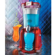 Nolstagia Electrics Retro Slush Machine great for cocktails
