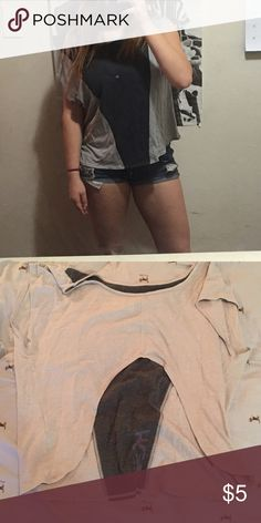 Athletic open back top Heidi Klum for new balance! Super cute workout top with an open back to allow for lots of breathing room. Check out my huge closet! I'm happy to make a great deal on a bundle! New Balance Tops Tees - Short Sleeve