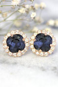 Black Stud Earrings Swarovski Dark Gray Earrings Graphite by iloniti  #earrings, #jewelry, #fashion, #style #jewelry, #crystal, #blackgold, #pave, #studs