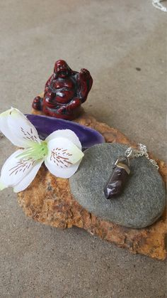 Hey, I found this really awesome Etsy listing at https://www.etsy.com/listing/467087239/purple-amethyst-healing-stone-chakra