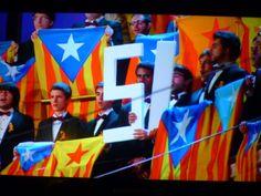 Palau de la Música. Concert de Sant Esteve. L'Orfeo Català,cantant el seu himne El Cant de la senyera. BARCELONA:
