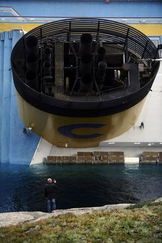 33 Jaw-Dropping Photos Of The Costa Concordia Disaster
