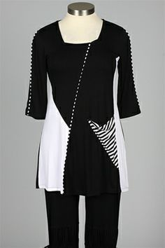inside out - Presley Tunic - Black & White