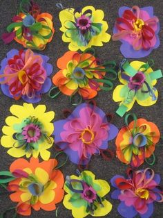 shine brite zamorano: looping and pinching, glueing and cutting, could add paint detail to the base flower shapes on day one? 3d Art Projects, Spring Art Projects, 2nd Grade Art, Grade 2, Second Grade, Kindergarten Art, Collaborative Art, Art Lessons Elementary, Art Lesson Plans