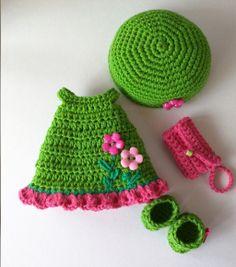 Doll Amigurumi Free Pattern, Crochet Teddy Bear Pattern, Crochet Patterns, Crochet Doll Dress, Crochet Doll Clothes, Crochet Baby Halloween, Crochet Shark, Nancy Doll, Little Cotton Rabbits