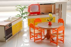 TOMY Kitchen set for Smaller Homes and Gardens