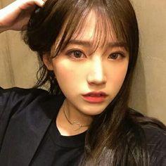Korean Bangs, Korean Face, Ulzzang Korean Girl, Wild Hair, Cute Girl Face, Best Face Products, Natural Makeup, Pretty People, Hair Inspiration