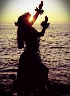 Love this photo!  Hawaiian dancer at sunset