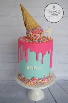 New birthday cake cute gender reveal ideas Ice Cream Theme, Ice Cream Party, Fancy Cakes, Cute Cakes, Cake Pops, New Birthday Cake, Ice Cream Birthday Cake, Birthday Ideas, Ice Cream Social
