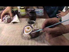 Mulher.com 11/04/2013 Mauricio Moraes - Pintura na pedra Parte 2 - YouTube... How to paint an owl on stone!