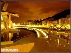 Art Maman Guggenheim Bilbao at Night Also find us at http://instagram.com/mightytravels