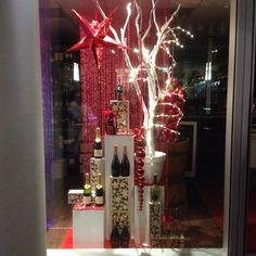 Christmas window at wineboutique Amsterdam. Styled an created by Rich Art Design The Netherlands