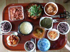 9월 첫 일요일 점심. 오징어쭈꾸미볶음+계란찜+닭강정+등등...