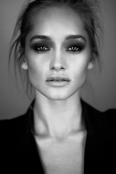 .Beautiful black and white editorial makeup