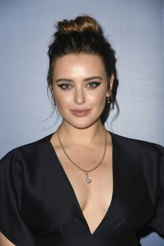 Knives Out star Katherine Langford got candid about her deleted scene with Robert Downey Jr. in Avengers: Endgame, which appeared on Disney+ a few days ago. Read below to know how Katherine felt about working with RDJ in Endgame. Cl Instagram, Cute Beauty, Old Actress, Hollywood Actresses, Hollywood Celebrities, Girl Face, Dark Hair, Beauty Women, Beautiful Women