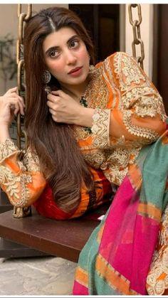 Stylish Dress Designs, Stylish Dresses, Bridal Dresses, Flower Girl Dresses, Wedding Dress, Beautiful Women Videos, Pakistani Outfits, Pakistani Clothing, Muslim Fashion