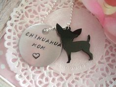 Chihuahua Mom Hand Stamped Keychain Black Or White Chihuahua Charm Made To Order op Etsy, 6,30€