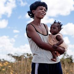 Thanks to lifesaving antiretroviral treatment Silvia did not pass #HIV to her daugher, Grace. Please share.