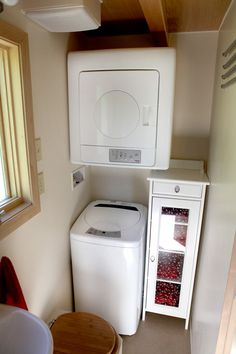 Seattle Tiny Homes touring house. 159 sf.  Huh.  I've never seen this washer/dryer before.