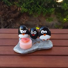 Penguen boyama :) #mumluk #tassanatı #tasboyama #paintingstone #stoneart #penguen #penguin #pebbleart