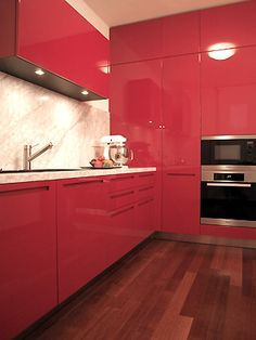 Kitchen red laquered