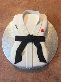 Karate Cake ! Black Belt !
