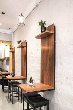 Coffee Shop Interior Design Ideas For Small Cafe Etagere Design, Deco Restaurant, Restaurant Seating, Restaurant Tables And Chairs, Restaurant Ideas, Restaurant Counter, Regal Design, Rustic Design, Rustic Decor