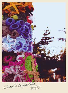 Crochet Coral Reef UKA ❥ 4U // hf Crochet For Kids, Crochet Ideas, Knit Crochet, Crochet Patterns, Yarn Bombing, Fiber Art, Street Art, Crochet Earrings, Urban