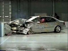 Crash Test of  2003- 2006 Mercedes E-Class E 500 (Frontal Offset) IIHS