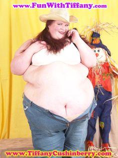 Zoe saldana nipple