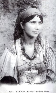 Africa | A young Jewish Berber woman from Debdou, Morocco. ca 1917 | Photographer unknown #berber #amazigh #tuareg #lifestyle