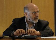 """Η απάντηση του προέδρου της Επιτροπής Εθνικού και Κοινωνικού Διαλόγου για την Παιδεία Αντώνη Λιάκου σε δημοσίευμα της εφημερίδας """"Πρώτο Θέμα"""" περί διδάκτρων στα Πανεπιστήμια    06-06-16 Η απάντηση του προέδρου της Επιτροπής Εθνικού και  Κοινωνικού Διαλόγου για την Παιδεία Αντώνη Λιάκου σε δημοσίευμα της  εφημερίδας """"Πρώτο Θέμα"""" περί διδάκτρων στα Πανεπιστήμια:  Μάλλον πρέπει να δοθεί βραβείο Χάλκευσης Ειδήσεων στο Πρώτο Θέμα το  οποίο γράφει σήμερα ότι θα επιβάλλονται δίδακτρα στα παιδιά…"""