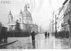 Warsaw, 1933. Warsaw Ghetto, Old Photographs, Poland, Taj Mahal, Old Things, Louvre, Black And White, City, Building
