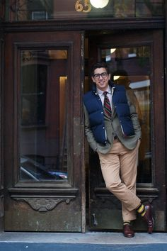 Noteworthy: down vest over tailored sport coat. Preppy Look, Preppy Style, My Style, Preppy Outfits, Preppy Mens Fashion, Men's Fashion, East Coast Prep, Mens Fashion Website, Henley Royal Regatta