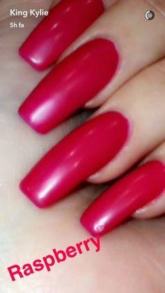 Kylie Jenner Raspberry nails