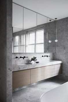 Small bathroom renovations 517984394642290157 - TCL House by Mim Design Modern Bathroom Design, Bathroom Interior Design, Home Interior, Decor Interior Design, Bathroom Designs, Restroom Design, Bathroom Images, Modern Interior, Furniture Design