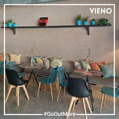Enjoying a night out with friends is the best way to catch up. Discover new places with VIENO. Drinking Every Night, Cool Bars, Night Out, Going Out, Places To Go, Friends, Simple, Amigos, Boyfriends