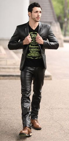 Men in hot boots or cool leather and a little piercing - Best Leather Jacket Mens Leather Pants, Tight Leather Pants, Best Leather Jackets, Leather Blazer, Black Leather, Leather Fashion, Mens Fashion, Leder Outfits, Moda Chic