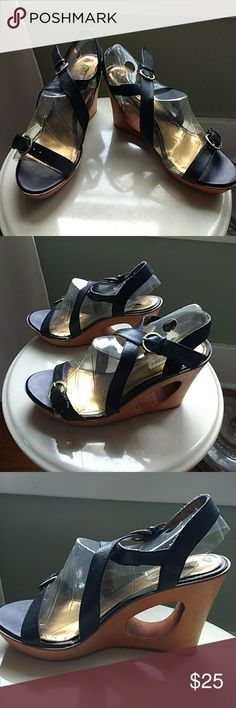 """Steve Madden wedges EUC EUC. Funky, vintage Steve Madden wood wedges. No materials or size tag. I believe faux leather uppers, wood heel with 4.5"""" wedge, 1.25"""" platform. Fit like a 9-9.5, 10.75"""" insole measurement. Surprisingly comfortable! Steve Madden Shoes Wedges"""