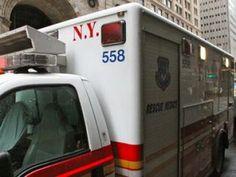 Ambulance in NY nel Woodside, NY